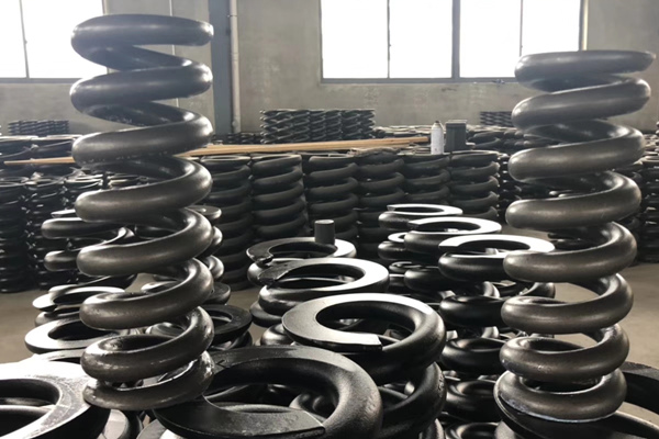 Indonesian customer Export a wave of CAT320 track coil springs​.