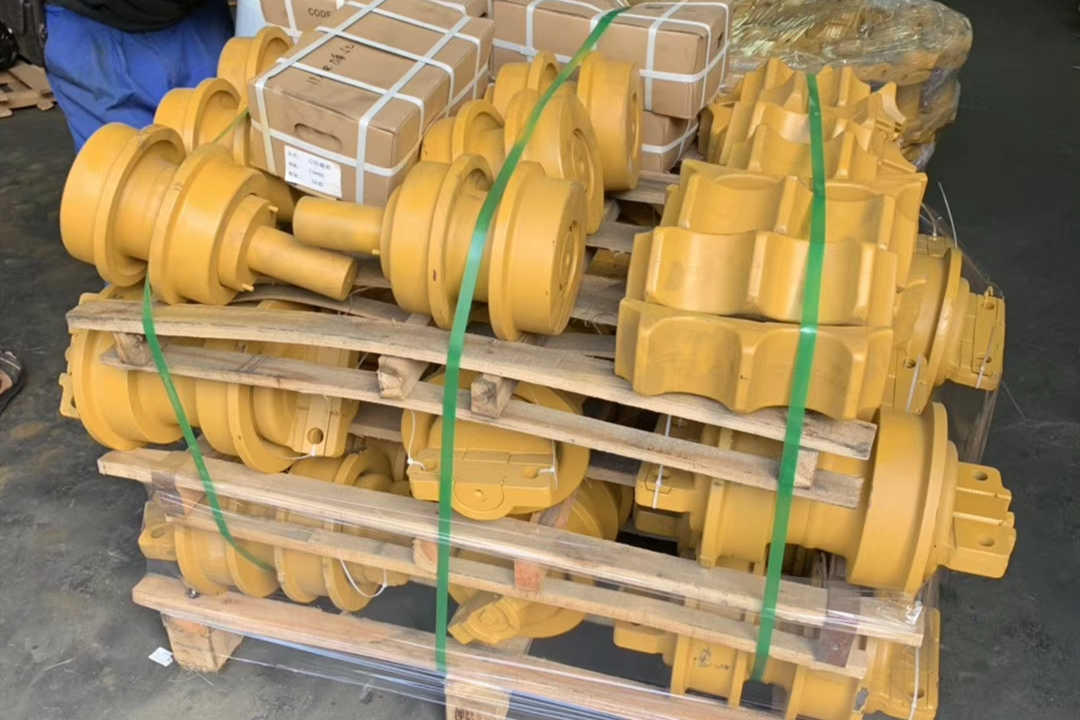 African customer KOMATSU D85 complete undercarriage parts purchase shipment